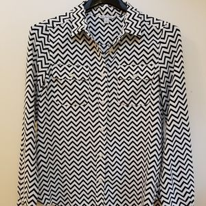 American Eagle Outfitters Small Blouse Chevron B&W